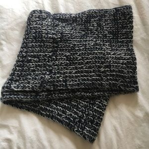 Abercrombie & Fitch Chunky Knit Infinity Scarf